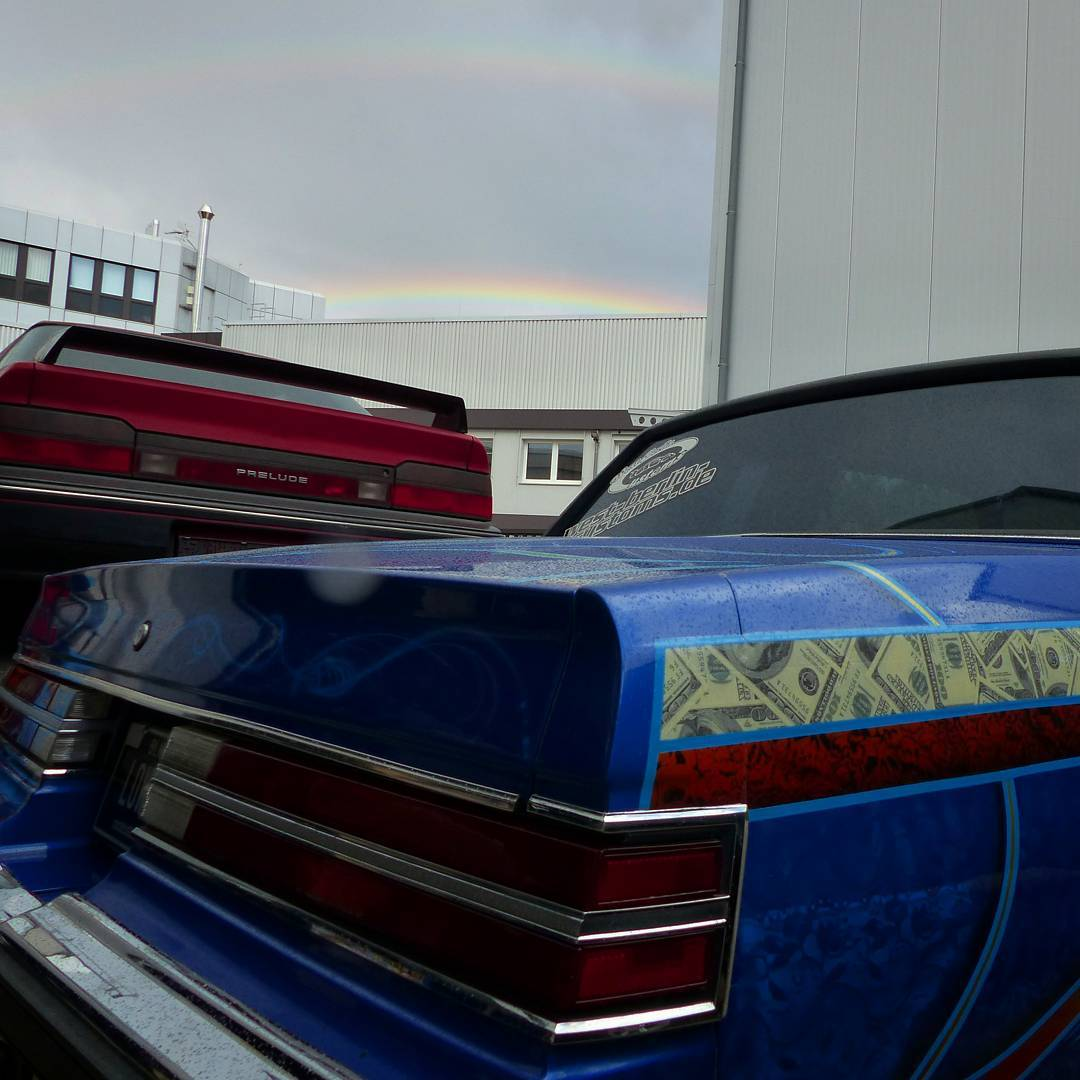 Yesterday we tried to get a selfie with a rare double rainbow and it became a fail. But I was able to keep the colorful sky in a picture with my Buick Regal Lowrider and my old (but gold(enred)) Honda Prelude BA4. I guess som of the last summer impressions for 2017