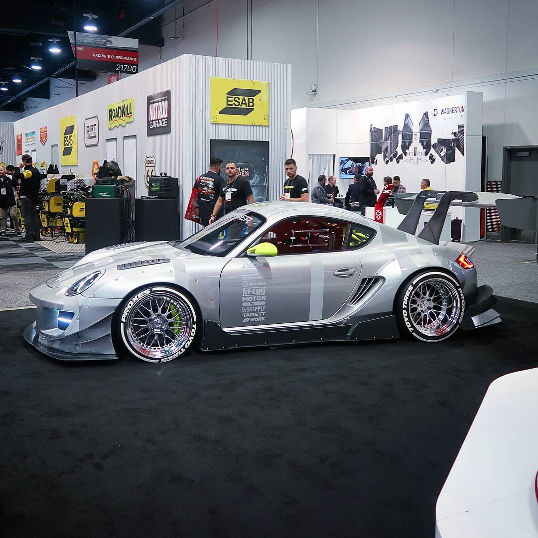 Yesterday someone asked me for my favorite car at SEMA. I had no answer, because there are +1500 beautiful cars. But this Porsche is definitely one of them