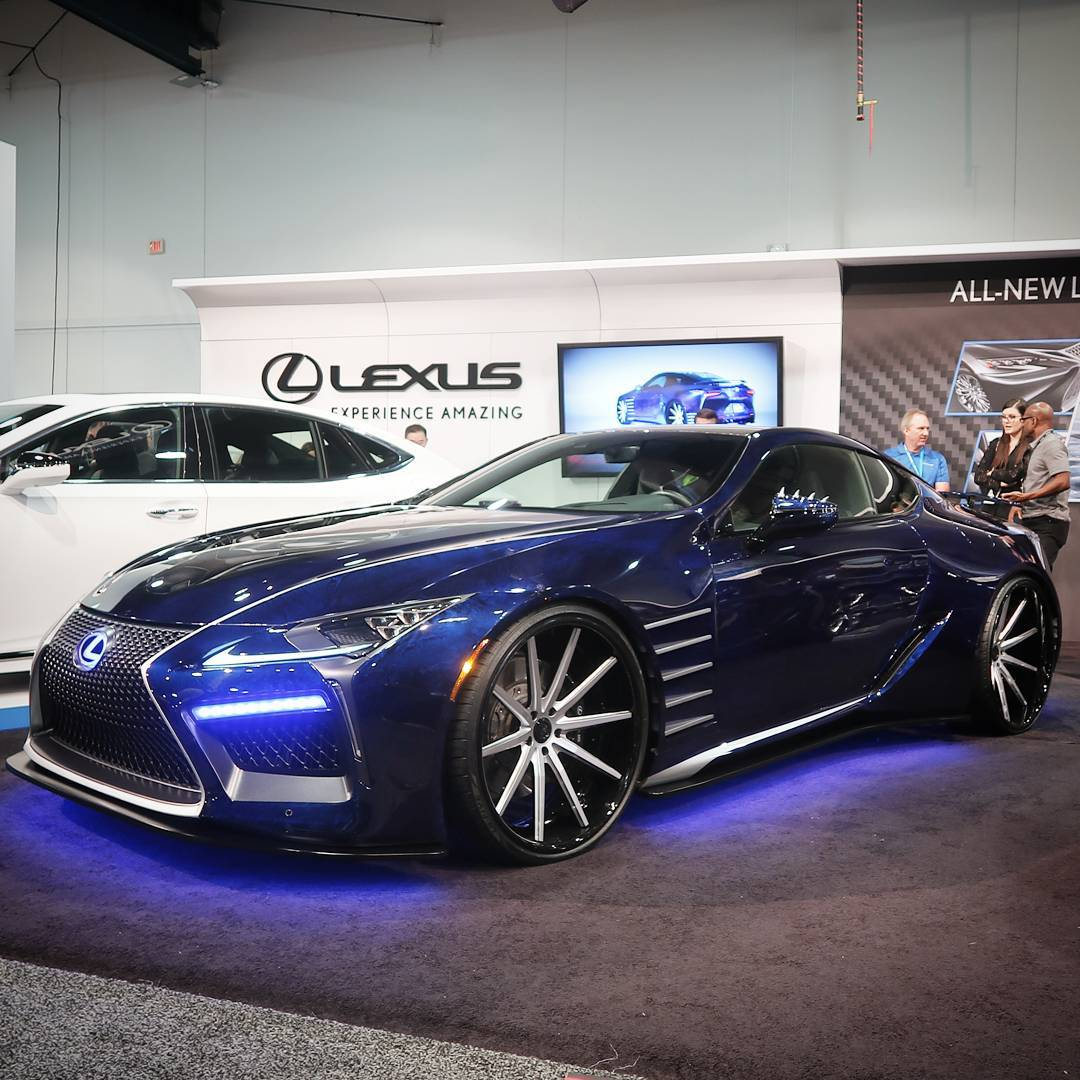 Another beauty spotted at SEMA 2017. This Lexus looks great and the wheels seem to be a perfect match. ?? I hope to see some cool cars like this at German car show OE-booths, too