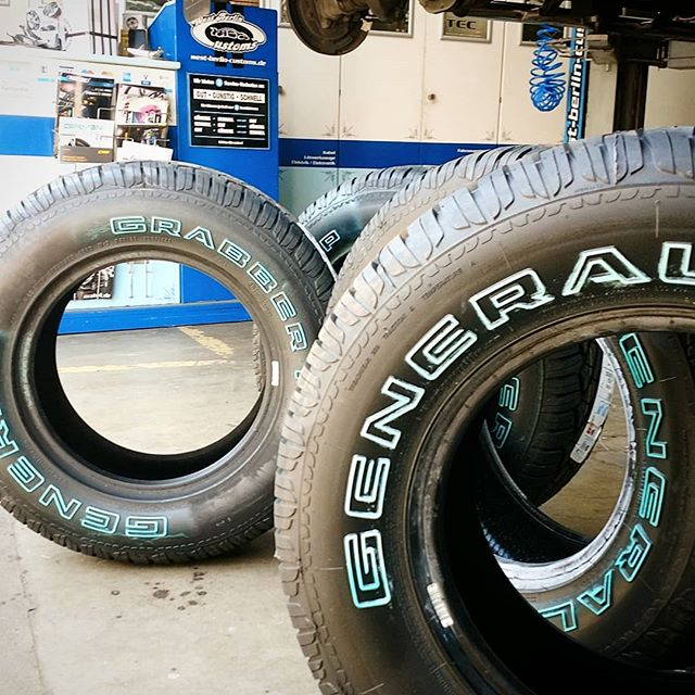 In General 15inch tires became pretty rare in our shop. These will look great in a set of deep dish wheels. @general_tire