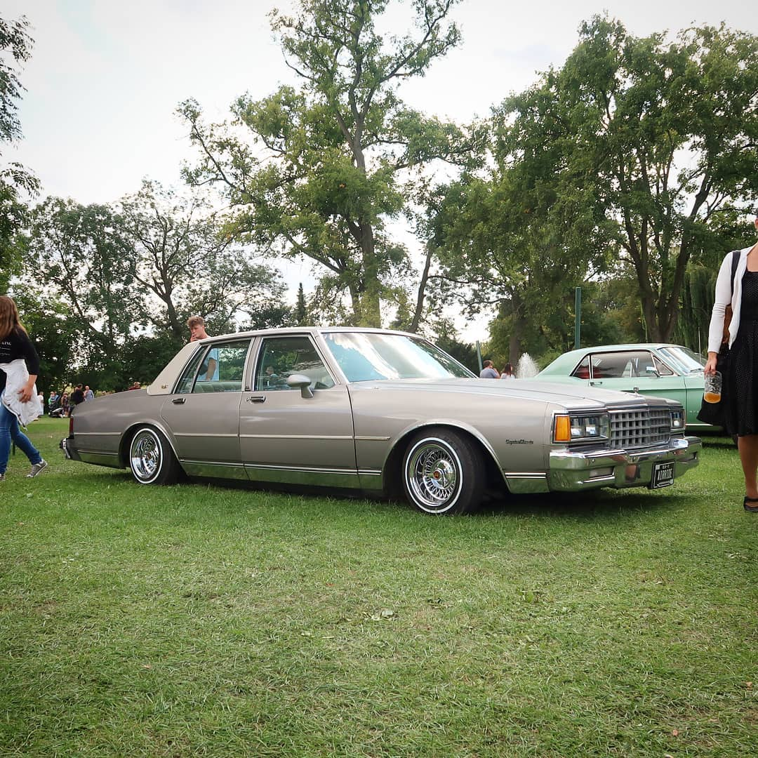 Pretty sh*tty rain wheater in Germany and I miss the summer and the opportunity to cruise a little in my bagged Caprice