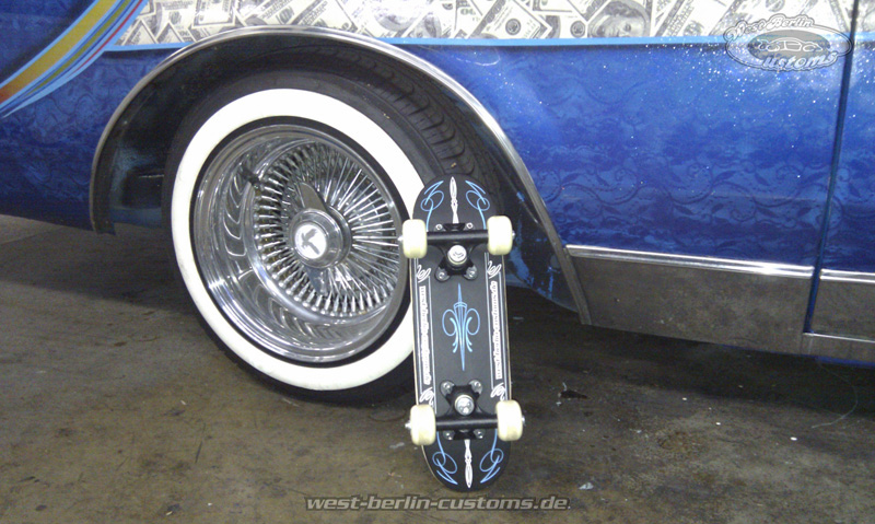 Mini-Deck mit Custom-Pinstripes aus Vinyl